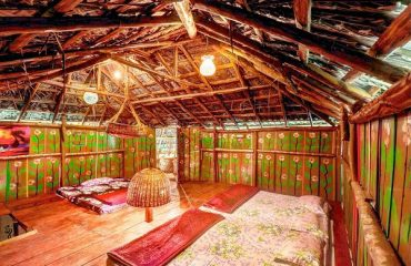 cottage_with_balcony_in_coorg